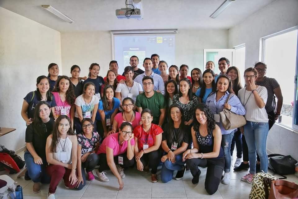 d96c9ab5eb4 ... de Querétaro no México o qual Dr. Christofer Rocha teve sua  participação palestrando sobre o tema da Aplicação da Posturologia nas  Lesões Ortopédicas